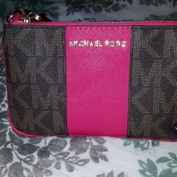 MICHAEL Michael Kors Handbags - Michael Kors wristlet